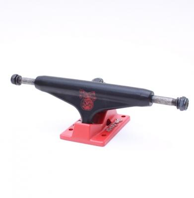 Trucki WARFIRE BLACK RED 5.0 LOW
